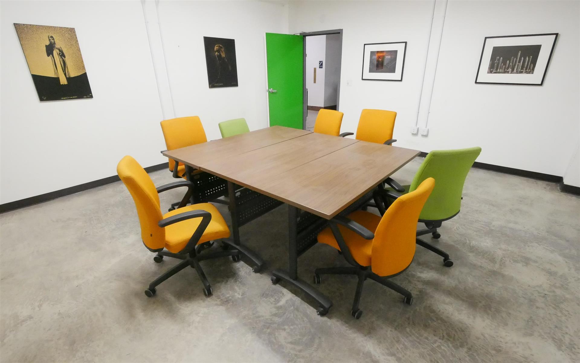 Oakstop - Mandela Meeting Room