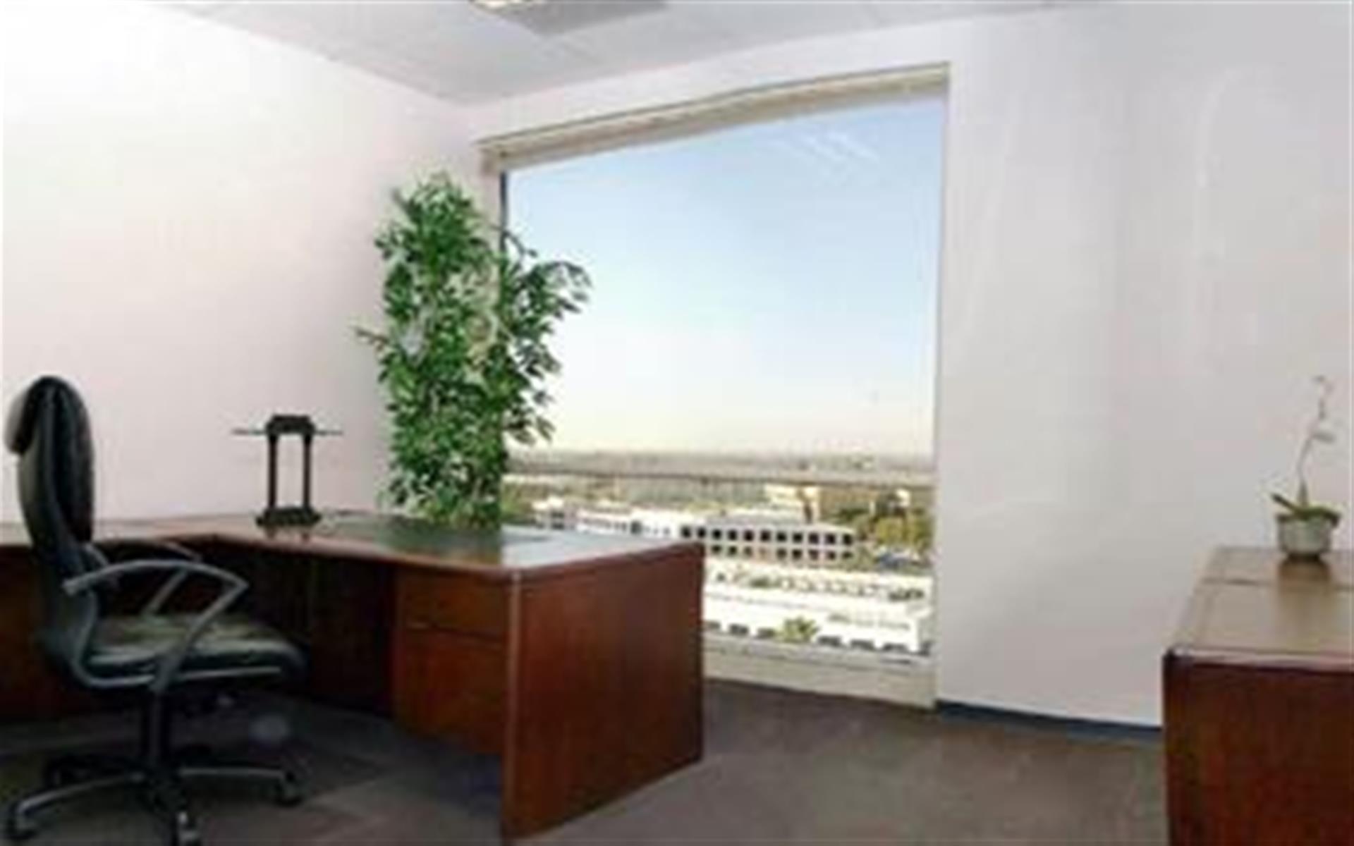 (SPE) Irvine Spectrum - Exterior Office