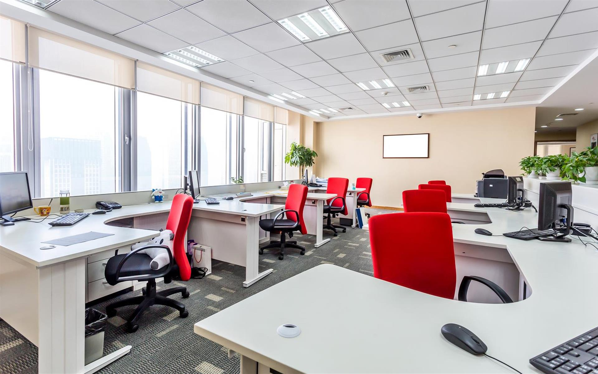 Peachtree Offices at Downtown, Inc. - Suite 300 - Team Office