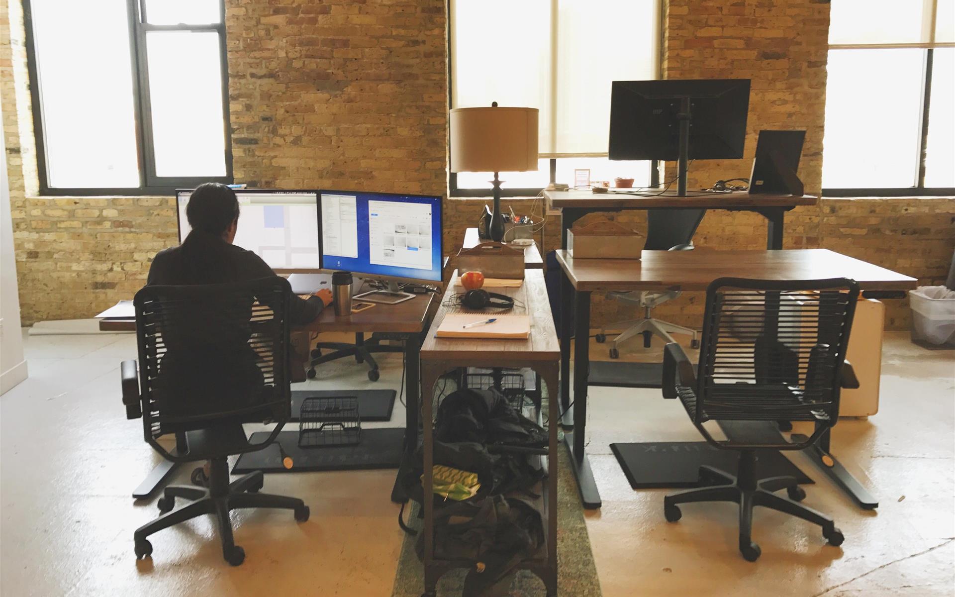 COCO West Loop - Individual dedicated Desk