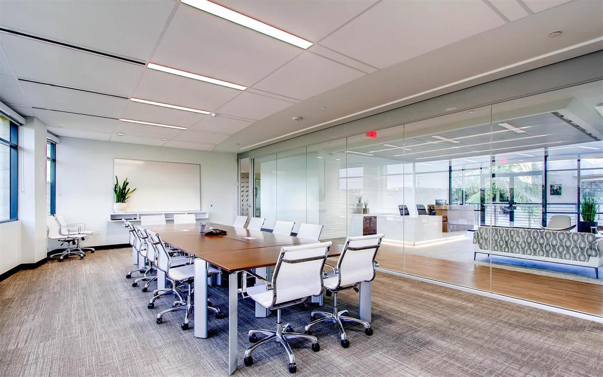 Avanti Workspace - Longboard Meeting Room