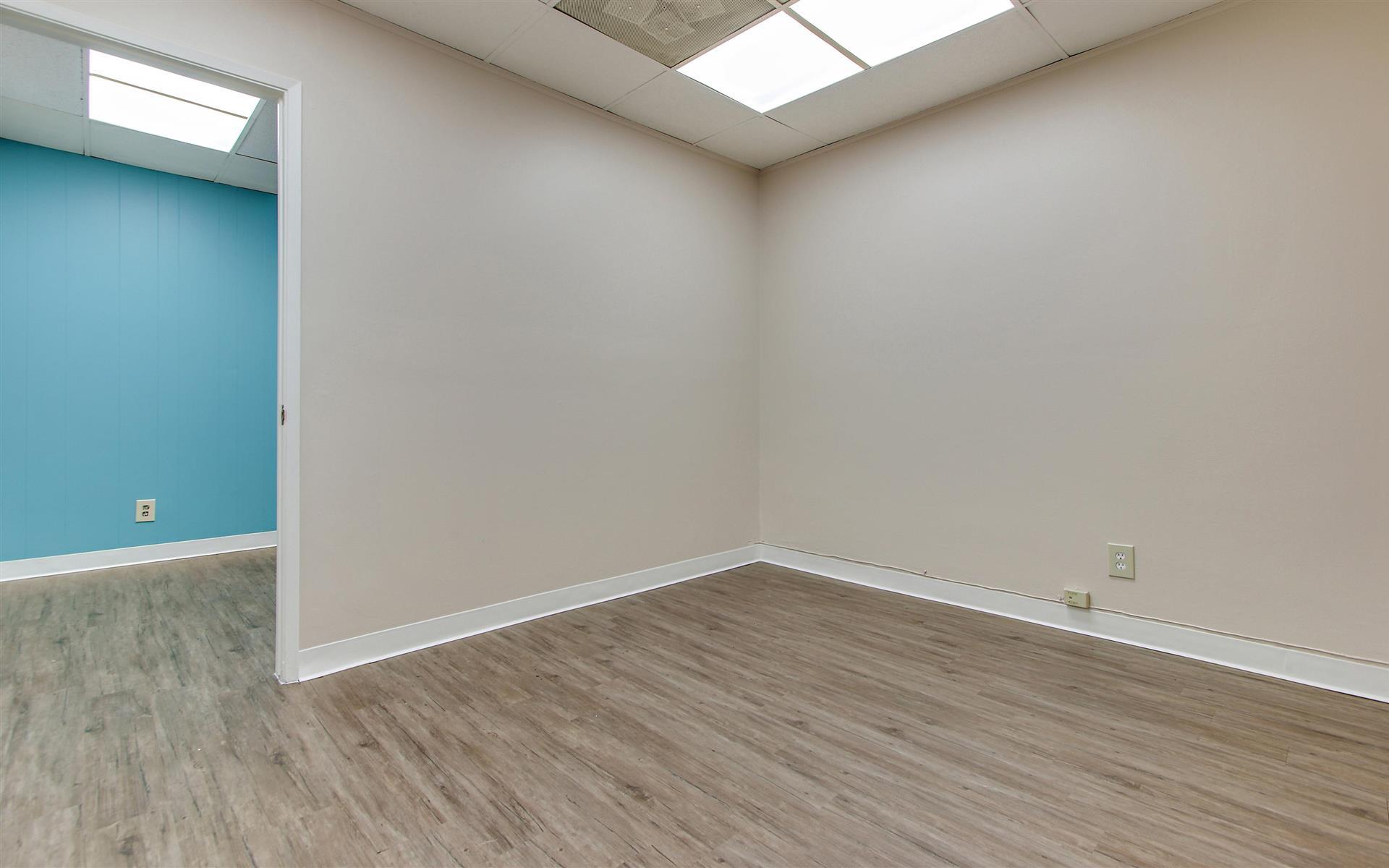 16200 Ventura Blvd. - Private Office Suite 420