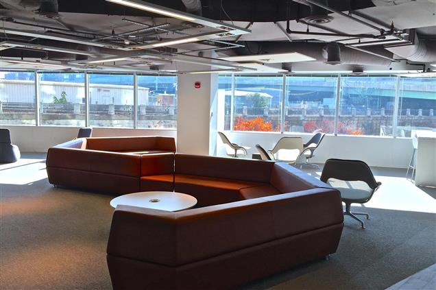 NOMA Workspaces - Co-working: Touch Down Space