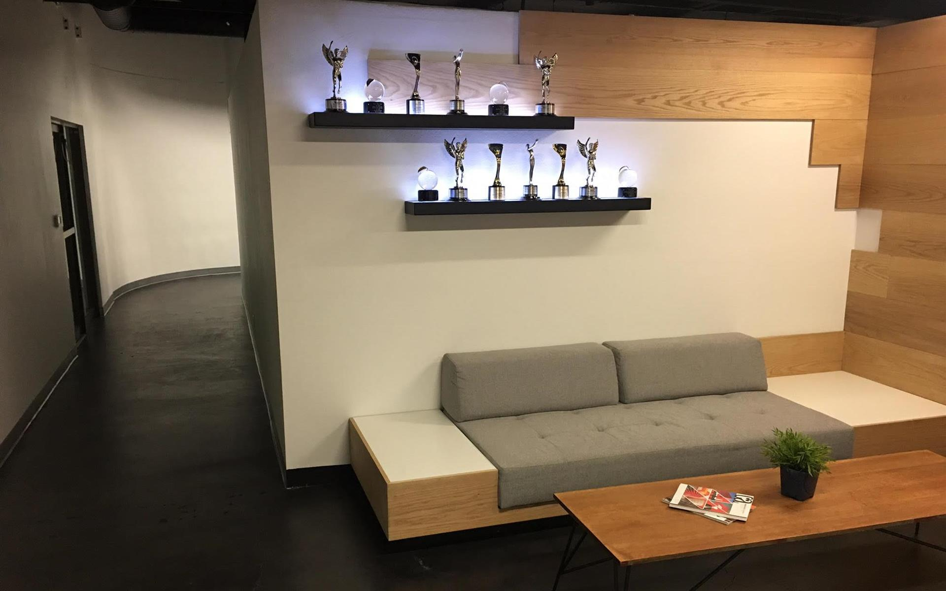 MoreYellow, Inc. - Open Work Space For Team