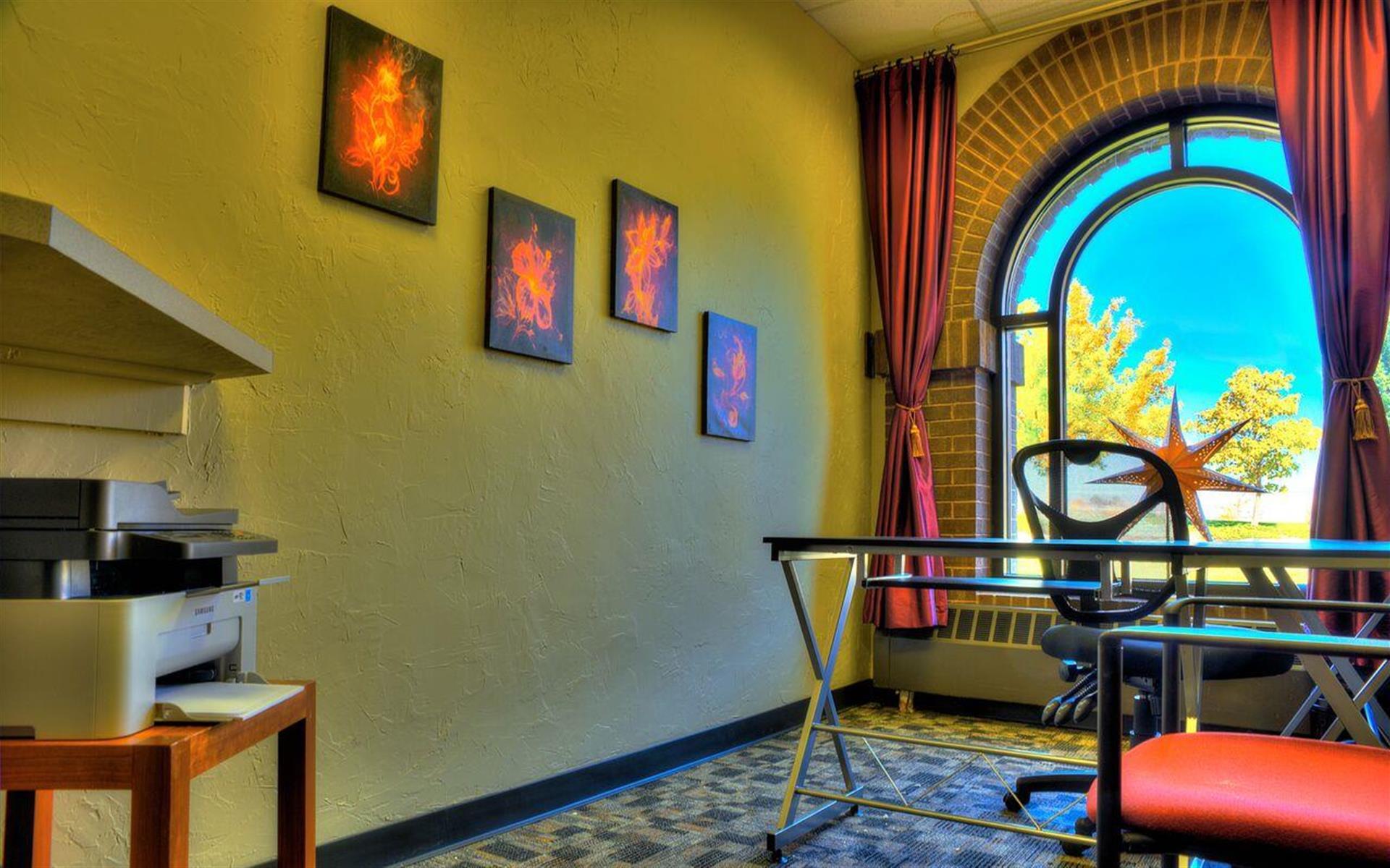 Shine Professional Suites - Suite 4
