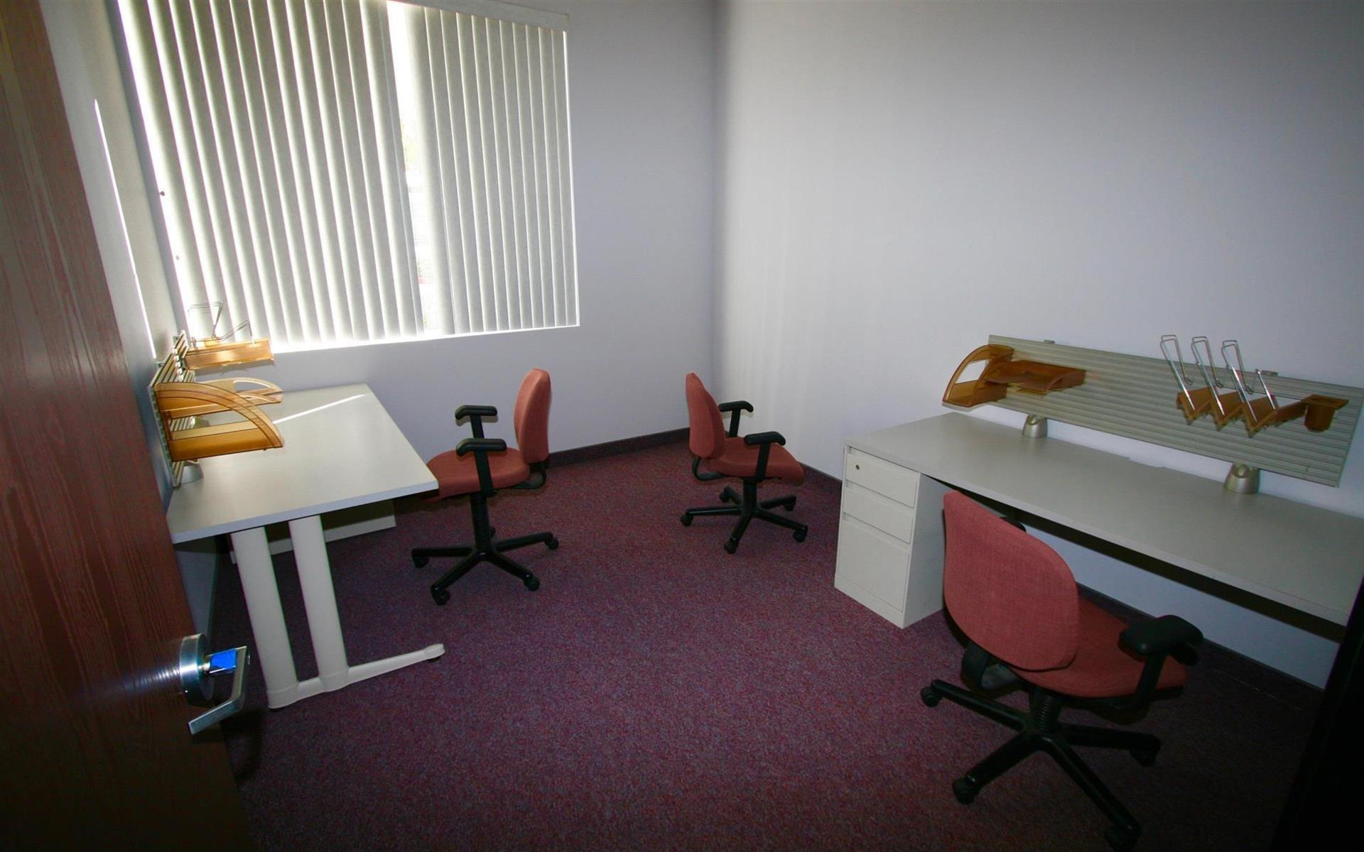 InnoGrove - Dedicated Desk in a Shared Office