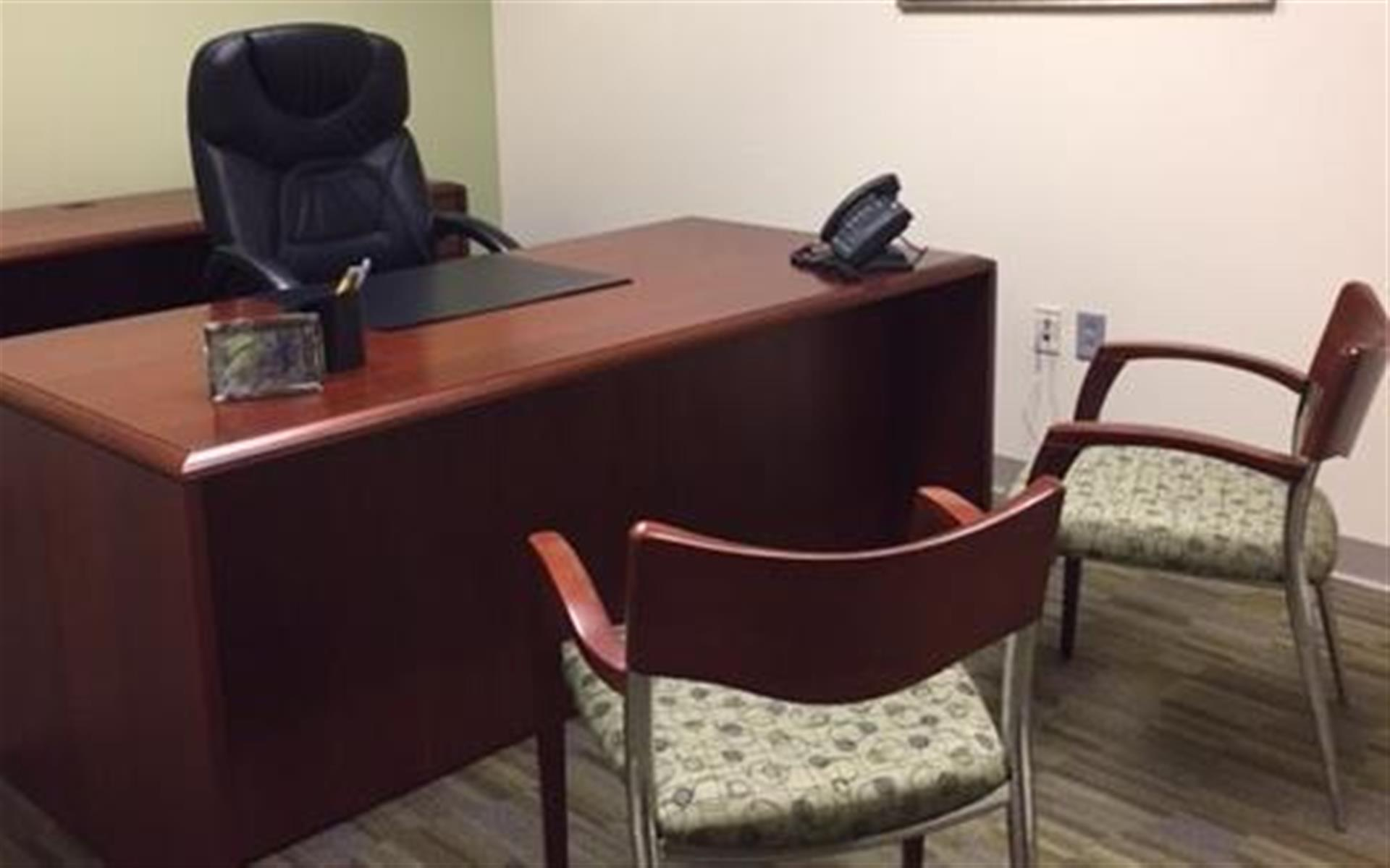 Carr Workplaces - Las Olas Center - Dedicated Desk