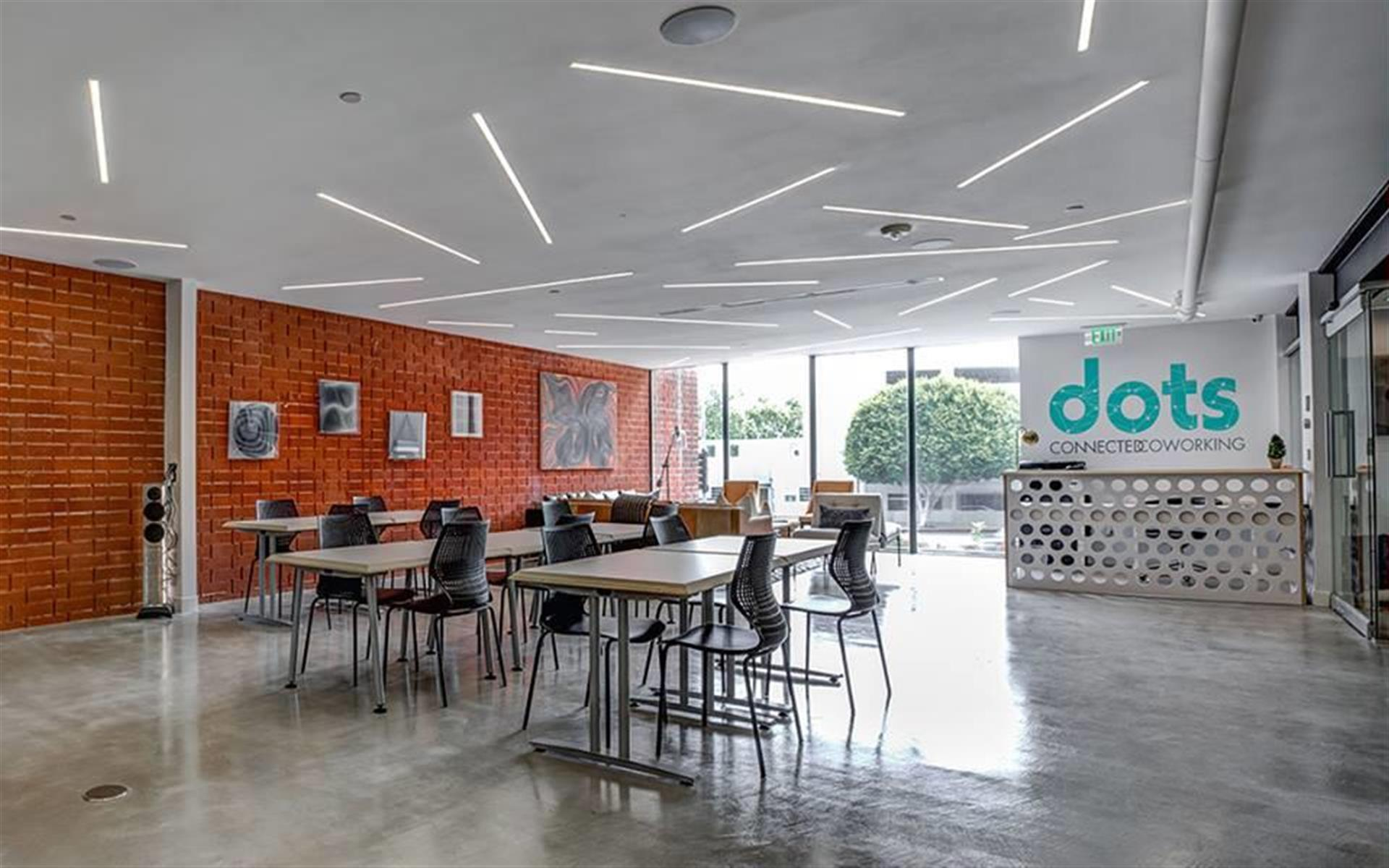 dots SPACE - Dedicated Spot