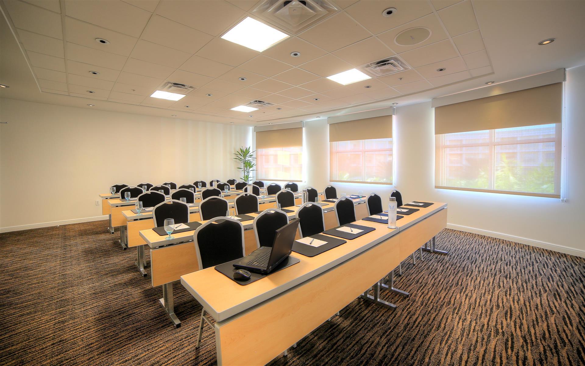Melia Orlando Suite Hotel at Celebration - 90 Executive Boardroom