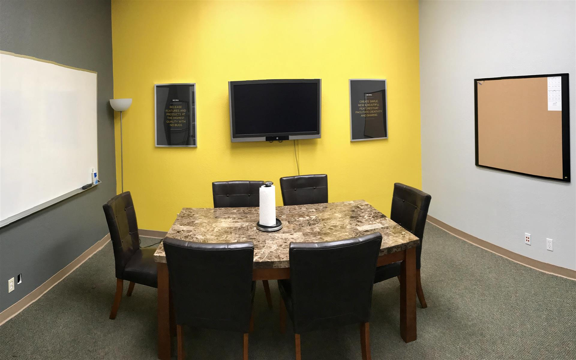 Nventify - Conference room for 6-8 people (hourly)
