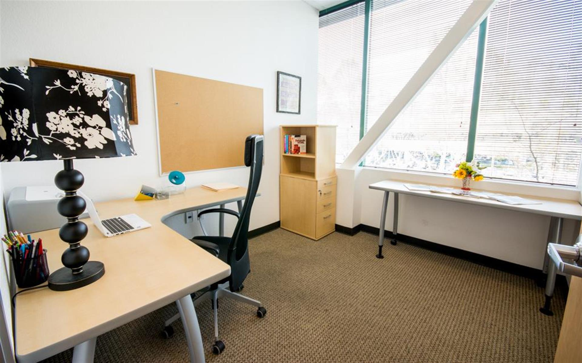Innoworld - LIMITED TIME Perimeter Private Office