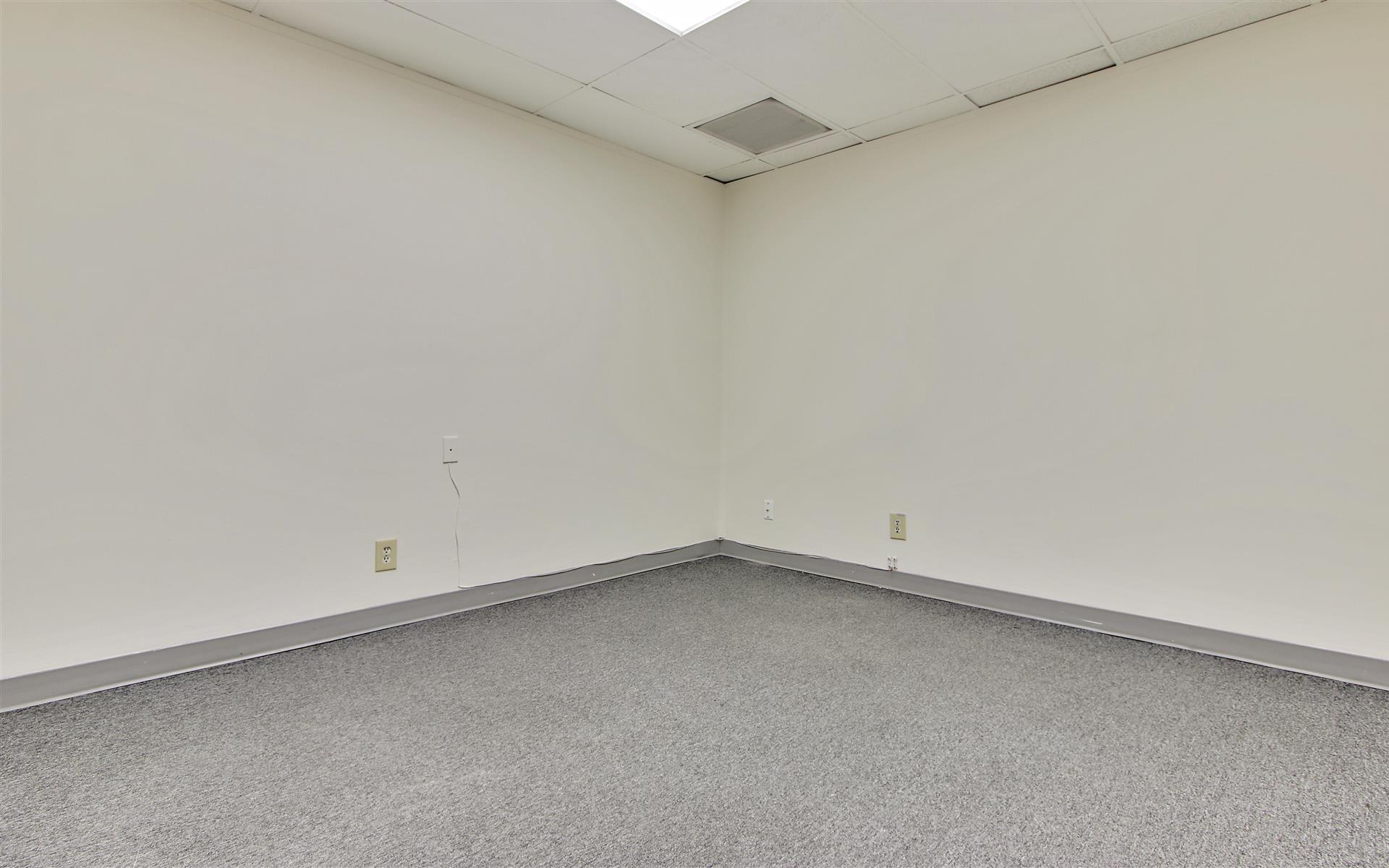 16200 Ventura Blvd. - Private Office Suite 317
