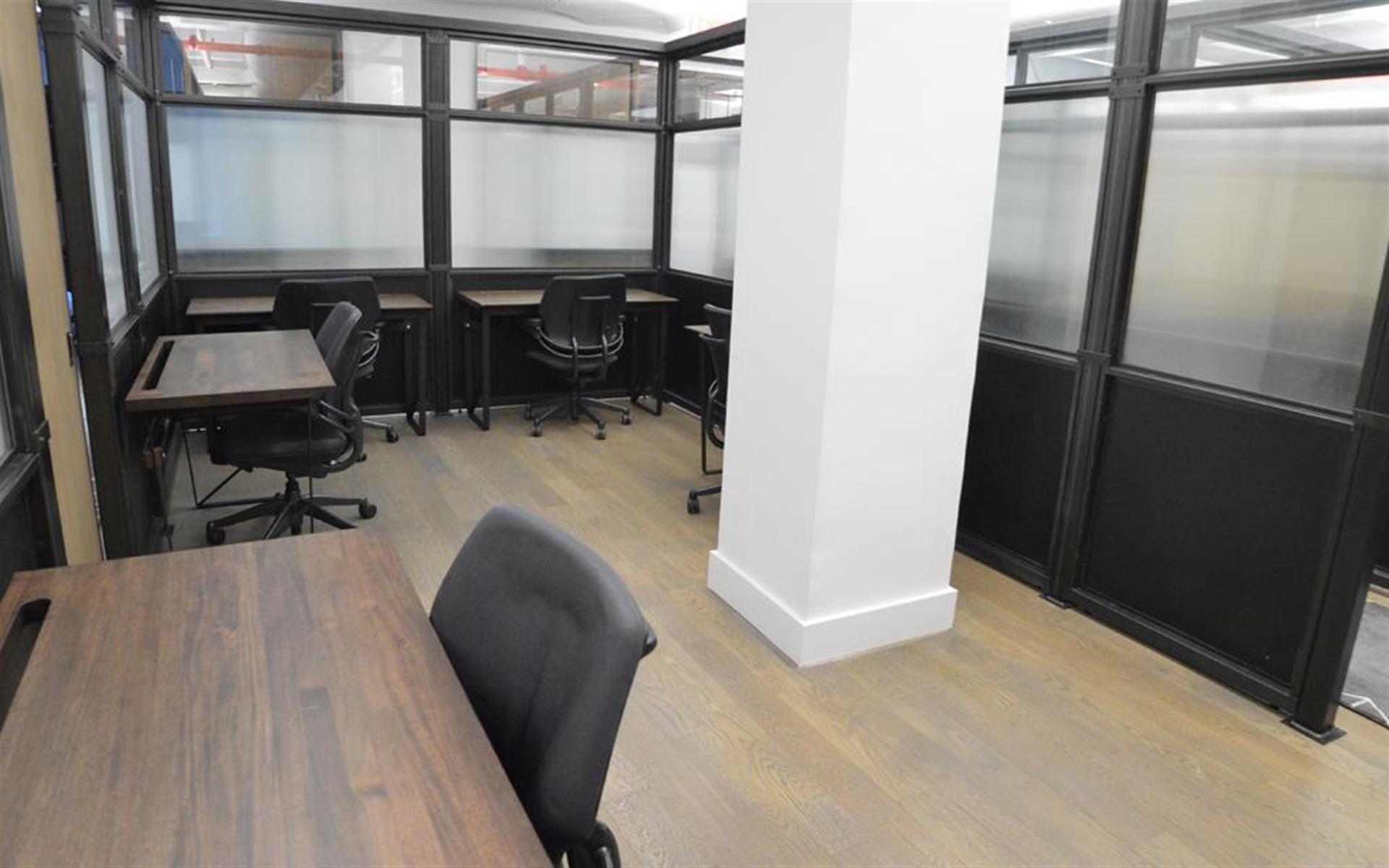 BLENDER WORKSPACE - 8 Desk Private Office