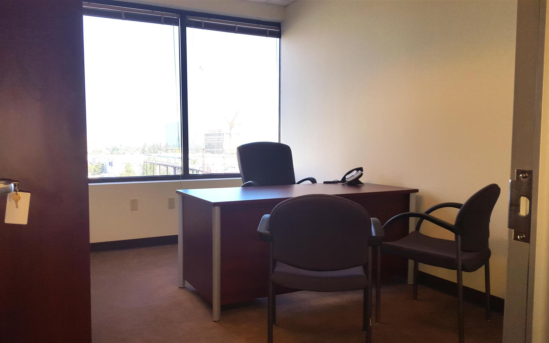 Pacific Workplaces - Capitol - Monthly Private Office 958