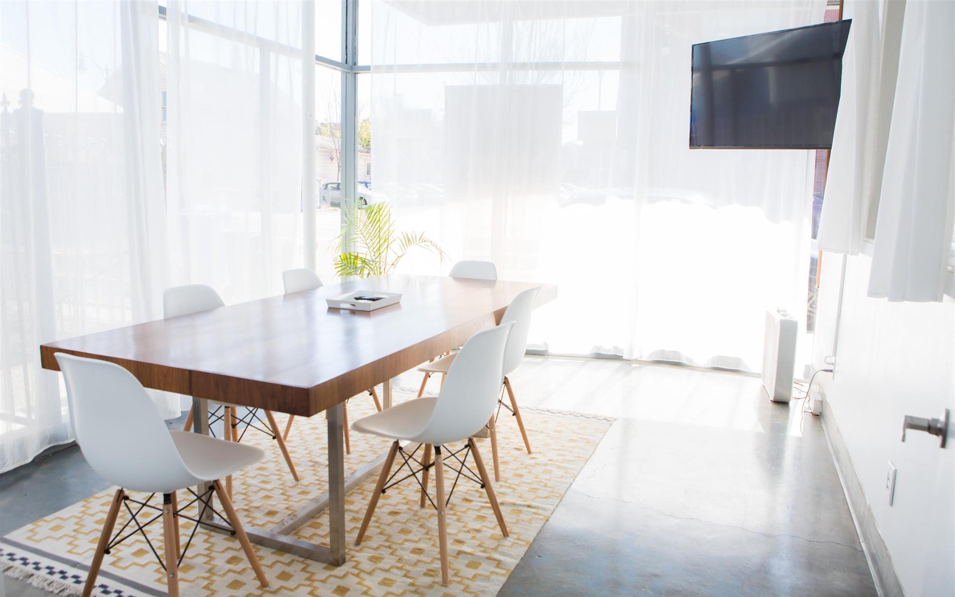 PHOENIX - Meeting Room 1