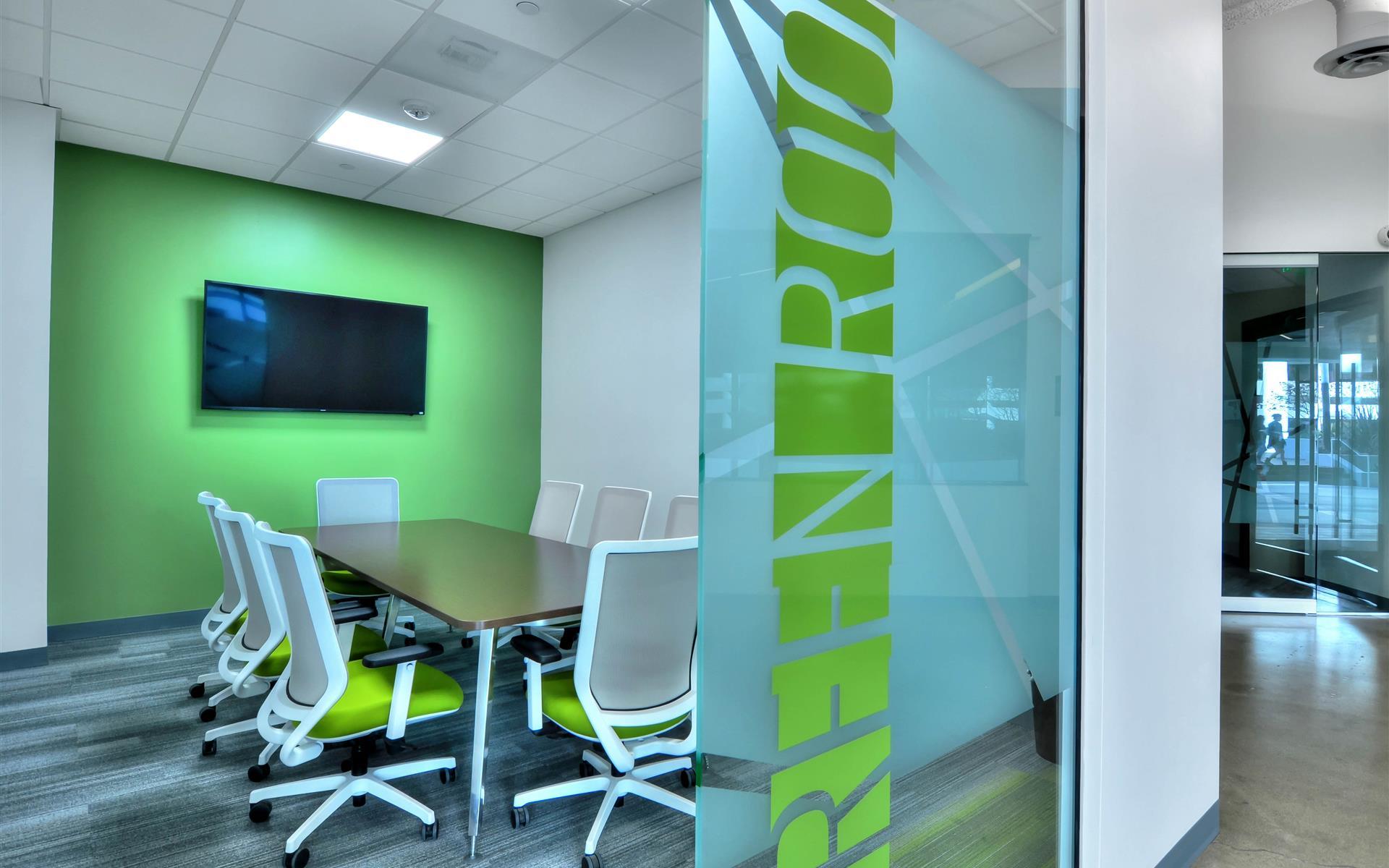 Manhattan Beach Towers - Green Room