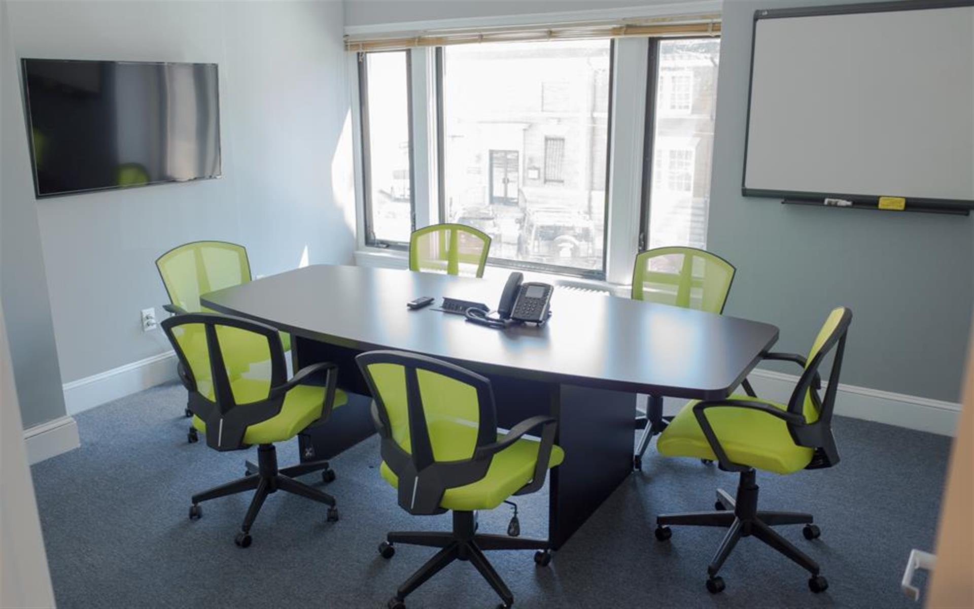 HeadRoom - Media - Collaboration Room