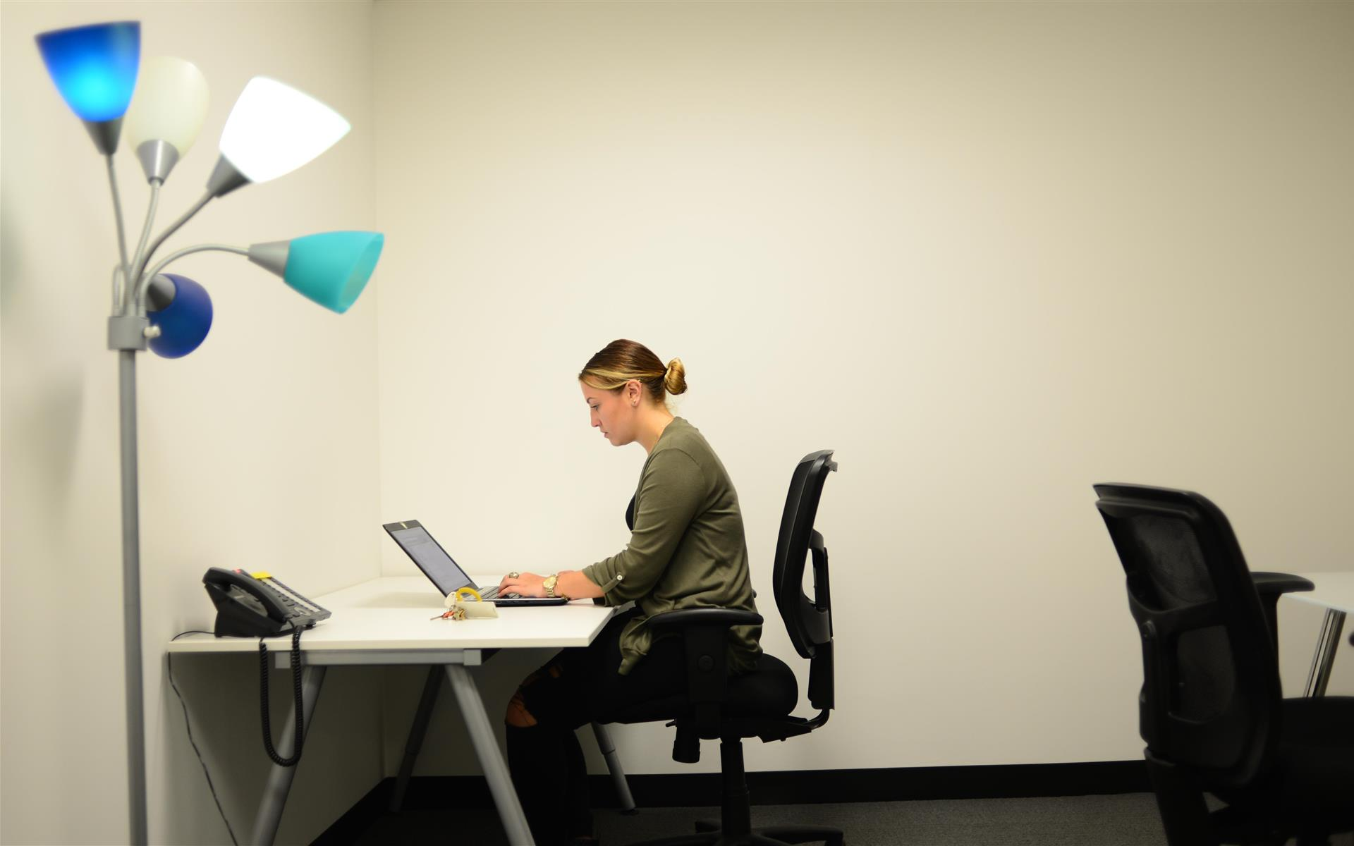 LEVEL Office - The Loop - Daily Private Offices at Level Office