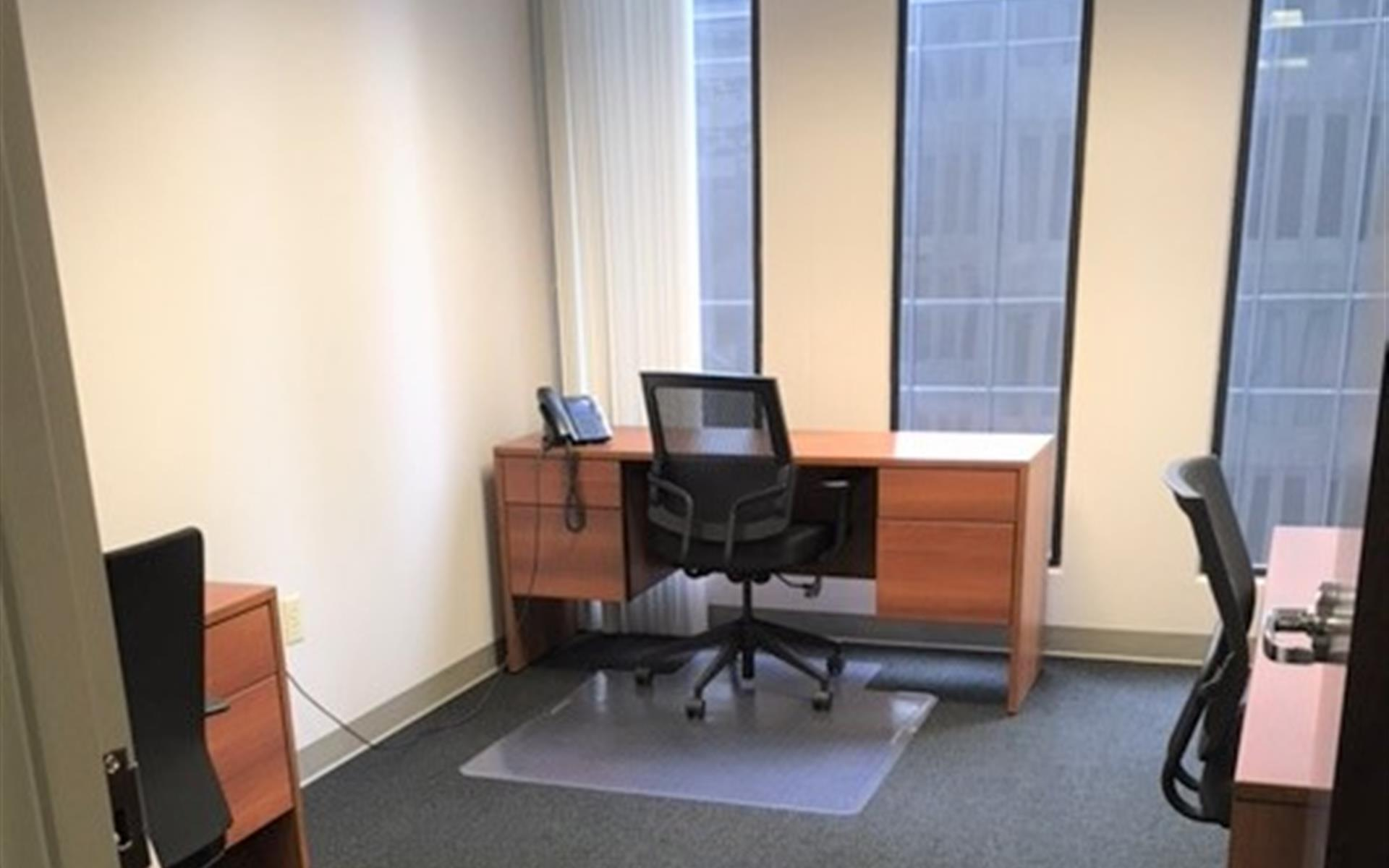 Peachtree Offices at Downtown, Inc. - Coworking Desk 3