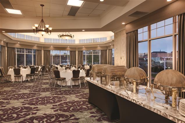 Hilton Garden Inn Auburn Riverwatch - Great Falls View Room