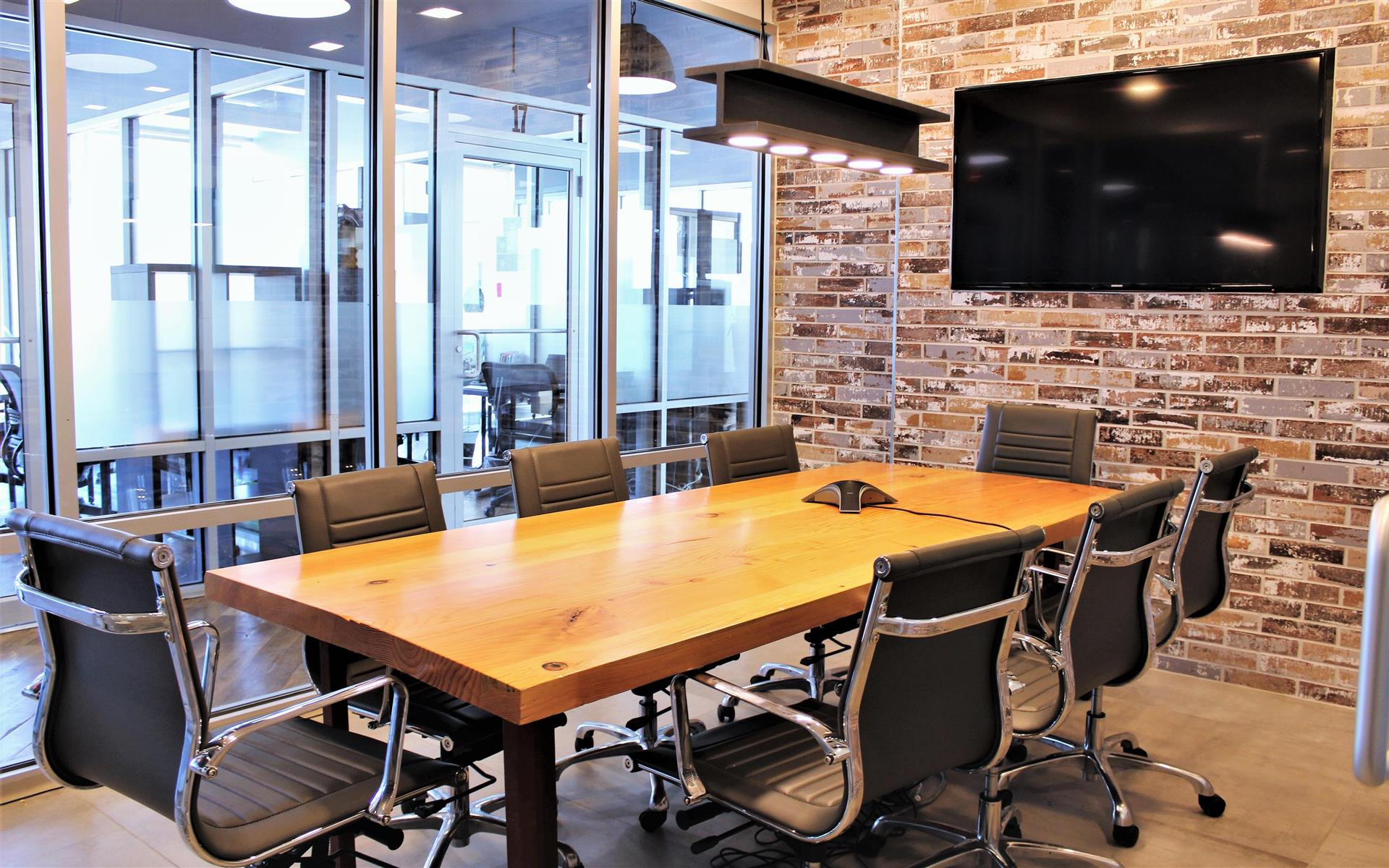 Green Desk - 34-18 Northern Blvd, LIC - Conference Room N - 34-18 Northern Blvd